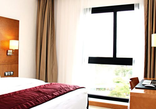 Visite guidée au Star Land Hotel à Bonapriso
