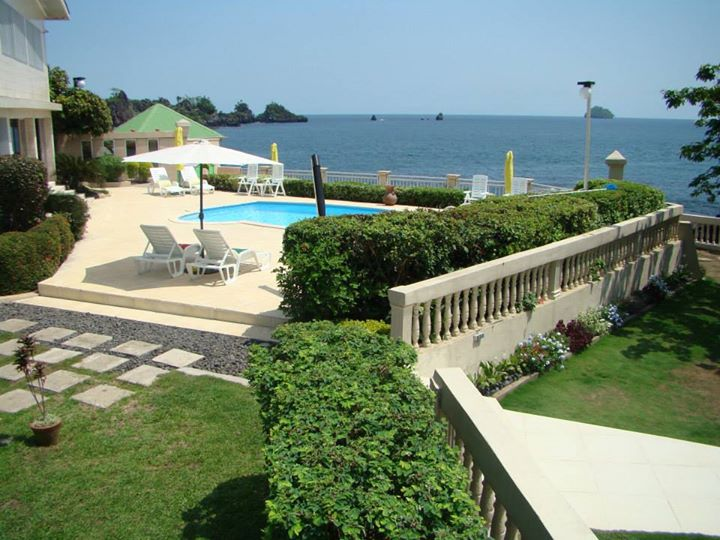 Les Marches d'Elodie - Bota Beach House Limbe - 2