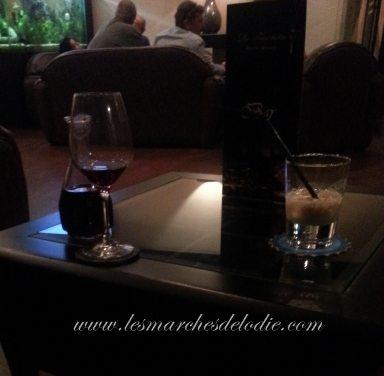 Souvenir d'un passage au restaurant, bar et lounge La Fourchette, à Douala